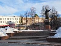 Нижний Новгород, площадь Минина и Пожарского. памятник Кузьме Минину