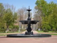 Нижний Новгород, улица Октябрьской Революции. фонтан На Октябрьской Революции