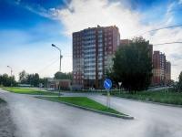 Новосибирск, улица Лобачевского, дом 75. многоквартирный дом