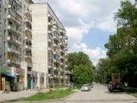 Novosibirsk, st Seraphimovich, house 14. Apartment house