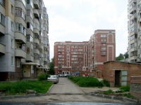 Novosibirsk, st Seraphimovich, house 19. Apartment house