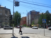 Novosibirsk, st Seraphimovich, house 4. Apartment house