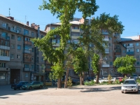 Novosibirsk, Titov st, house 23. Apartment house