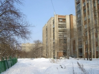 Новосибирск, улица Петропавловская, дом 17. многоквартирный дом