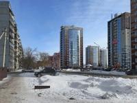 Новосибирск, улица Пархоменко, дом 27. многоквартирный дом