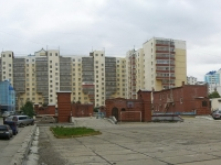 Новосибирск, Горский микрорайон, дом 48. жилой дом с магазином
