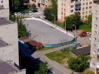 Новосибирск, улица Нарымская. корт