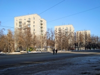 Novosibirsk, st Bogdan Khmelnitsky, house 13. Apartment house
