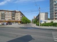 Новосибирск, улица Народная, дом 1. многоквартирный дом