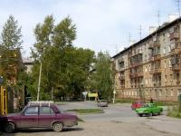 Новосибирск, улица Театральная, дом 2. многоквартирный дом