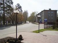Новосибирск, улица Аксёнова, дом 46. многоквартирный дом