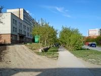 Новосибирск, улица Линейная, дом 33. офисное здание