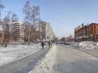 Новосибирск, улица Линейная, дом 114. офисное здание