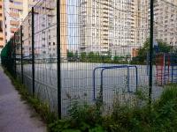Новосибирск, улица Кирова. спортивная площадка Футбольное поле