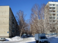Novosibirsk, st Poltavskaya, house 37. Apartment house