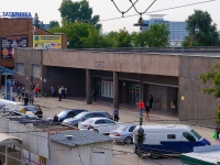 Новосибирск, улица Зыряновская. станция метро вход метро №1-2