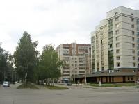 Новосибирск, улица Героев Революции, дом 10. многоквартирный дом