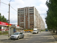 Новосибирск, улица Героев Революции, дом 12. многоквартирный дом