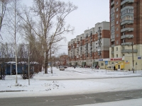 Новосибирск, улица Героев Революции, дом 32/2. многоквартирный дом