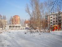 Novosibirsk, st Petukhov, house 100. school