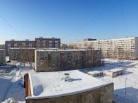 Novosibirsk, st Petukhov, house 136. Apartment house