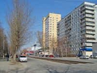 Novosibirsk, st Gurievskaya, house 42. Apartment house