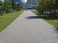 Новосибирск, улица Серебренниковская, дом 20. офисное здание