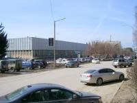 Новосибирск, улица Ильича, дом 6. торговый центр