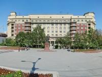 Новосибирск, улица Сибревкома, дом 1. многоквартирный дом