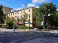 Novosibirsk, st Revolyutsii, house 17. Apartment house