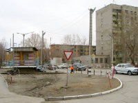 Novosibirsk, st Ob'edineniya, house 42. Apartment house
