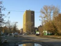 Новосибирск, улица Панфиловцев, дом 5. многоквартирный дом