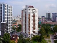 Novosibirsk, st Sakko i Vantsetti, house 74. Apartment house