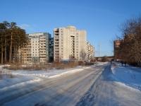 Новосибирск, улица Сиреневая, дом 35. многоквартирный дом