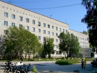 Novosibirsk, st Tvardovsky, house 18. Apartment house