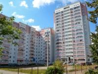 Пермь, улица Генерала Наумова, дом 19. многоквартирный дом