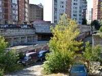 Пермь, улица Революции, дом 5/2. гараж / автостоянка