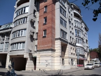 Rostov-on-Don, Sotsialisticheskaya st, house 3. Apartment house