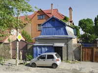 Rostov-on-Don, Krasnykh Zor' st, house 108. Private house