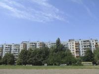 顿河畔罗斯托夫市, Kosmonavtov avenue, 房屋 36 к.2. 公寓楼