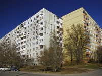 Rostov-on-Don, Komarov blvd, house 4. Apartment house