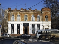 Rostov-on-Don, Adygeyskaya st, house 2. Apartment house with a store on the ground-floor