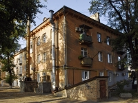 Azov, Mira st, house 26. Apartment house