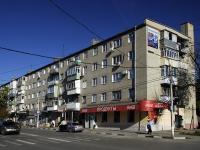 Азов, Красноармейский переулок, дом 60. жилой дом с магазином