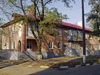 Азов, Красноармейский переулок, дом 100. многоквартирный дом