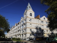 Azov, Leningradskaya st, house 73. Apartment house