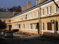 Azov, Moskovskaya st, house 28. Apartment house