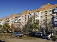Azov, st Privokzalnaya, house 12. Apartment house