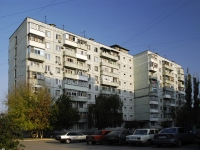 Azov, Pushkin st, house 108. Apartment house