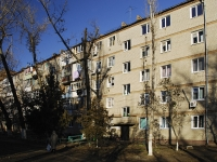Azov, Chernomorsky alley, house 64. Apartment house